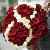 Какие цветы подарить маме на 8 марта