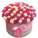 Квіти в шляпной коробці