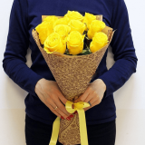 11 Yellow roses