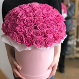 65 pink roses in a hat box