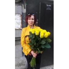 25 жовтих троянд