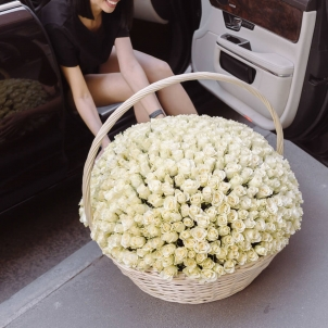 "Basket ""351 white roses"""