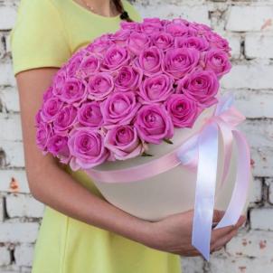 51 рожева троянда в шляпной коробці