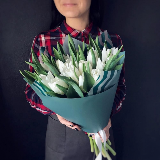 21 Білий тюльпан