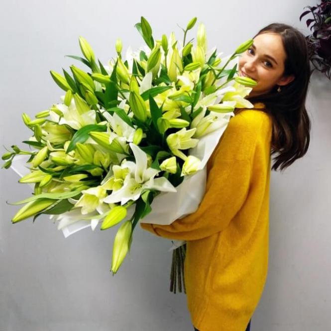 21 White lily
