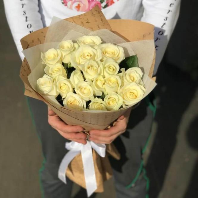 19 White roses