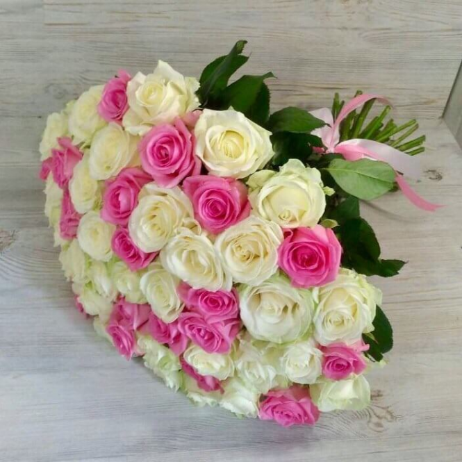 45 Розово-белых роз